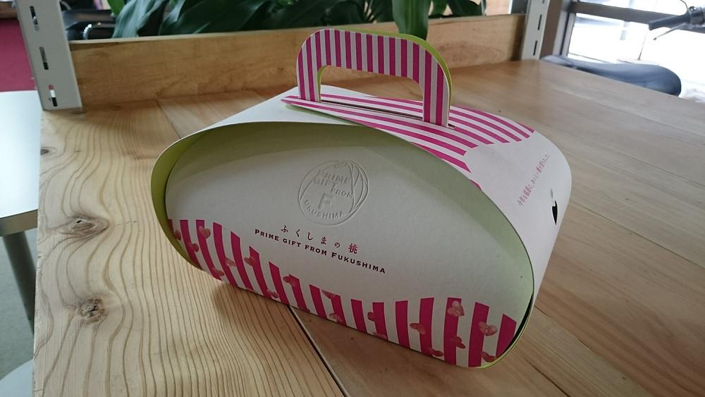 桃のお土産ボックス