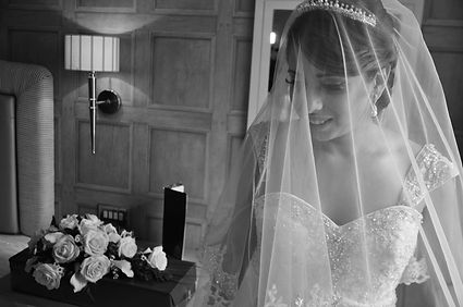 wedding photography bride black and white