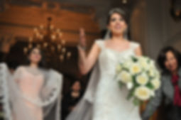 wedding photography bride dress bouquet