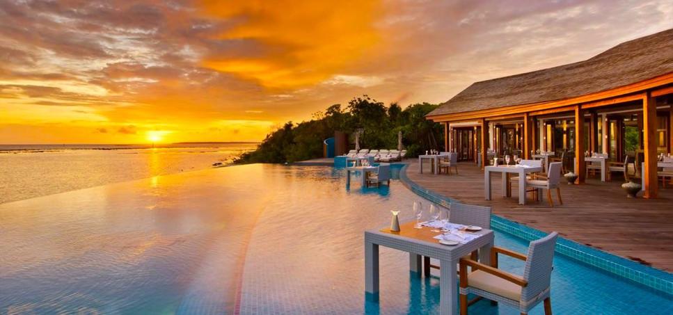 dining-sunset-pool-cafe-4-1030x579.jpg