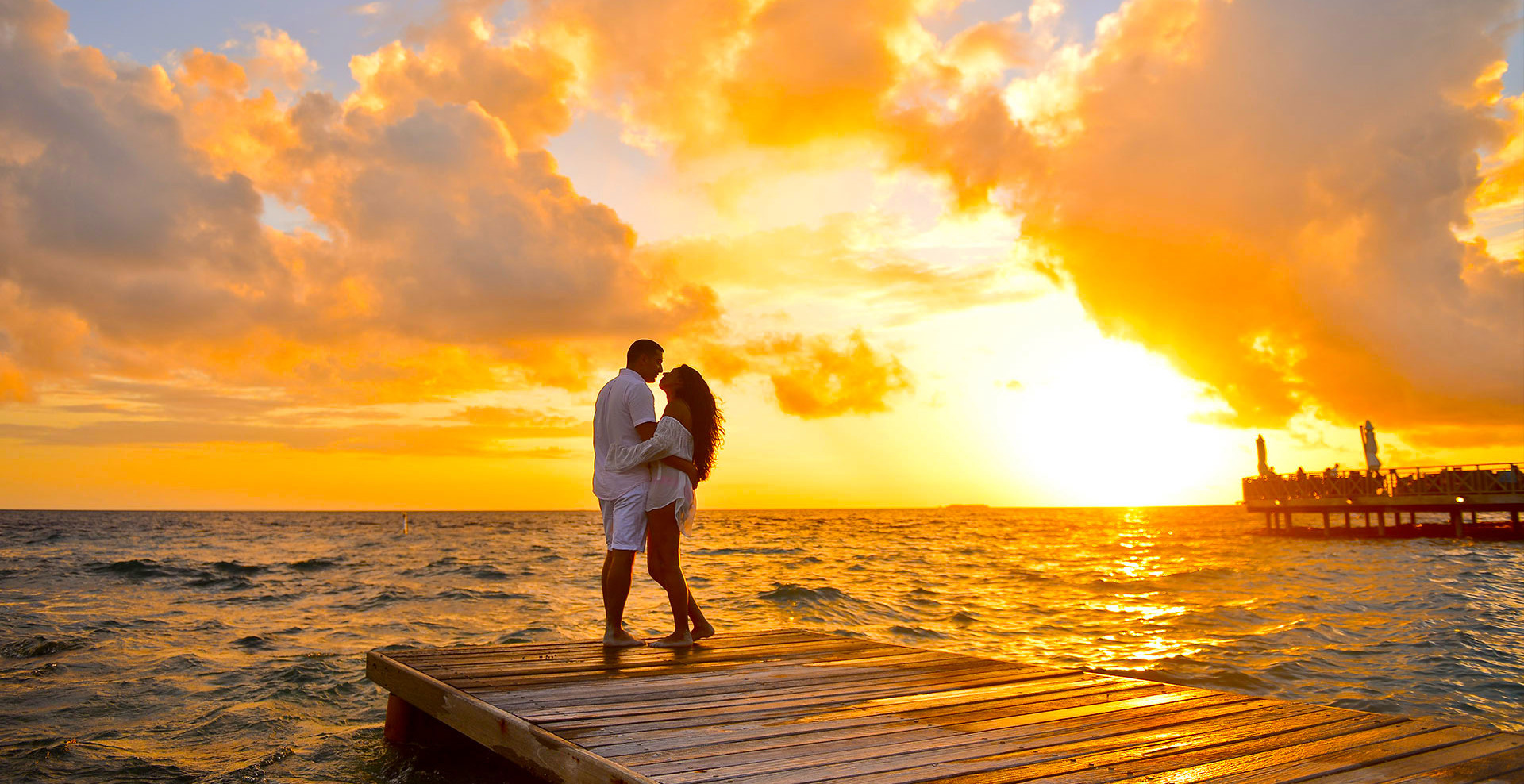 sunset-romantic-couple.jpg