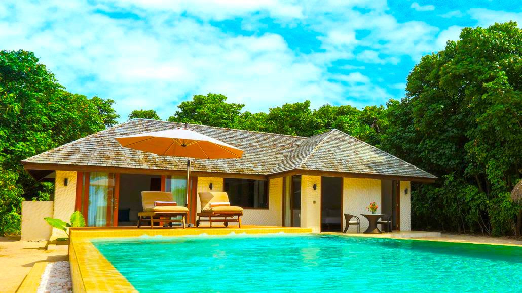 Hideaway-Maldives-villas-3-deluxe-sunset