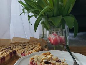 Foodie Blog by Branka  - bogati heljdoto s gljivama i lagani kolač sa skyrom i bobicama