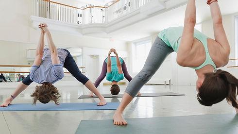 GTY_yoga_sr_140422_16x9_1600[1].jpg