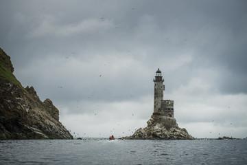 Подплываем к маяку