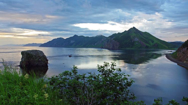 Вид с веру на остров Заметный