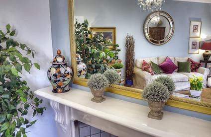 Lounge Mirror Shot
