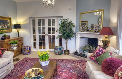 Austen Lounge