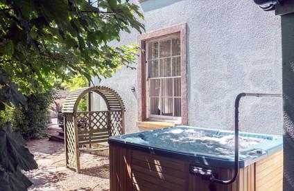 Austen Hot Tub