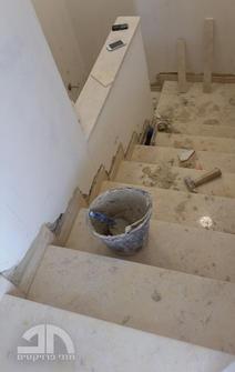 ביצוע מדרגות משיש חברוני