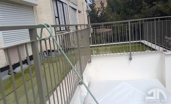 הצפת הגג במים לבדיקת אטימות