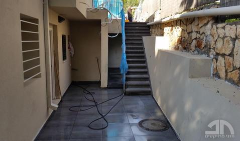 קירות תמך, משטח מרוצף ומדרגות גרנוליט