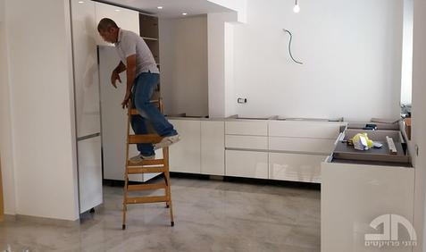 התקנת ארון המטבח