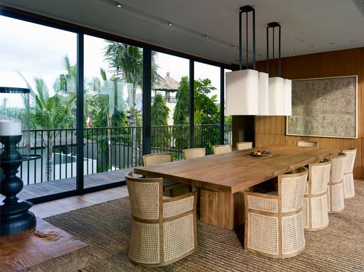 07-Arnalaya Beach House - Dining room wi