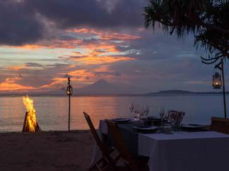 Sira Beach House - Tropical sunset.jpg