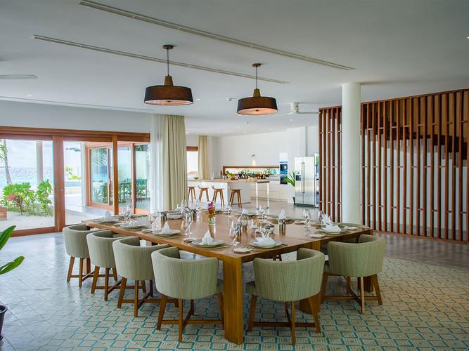 4. The Great Beach Villa Residence - Din