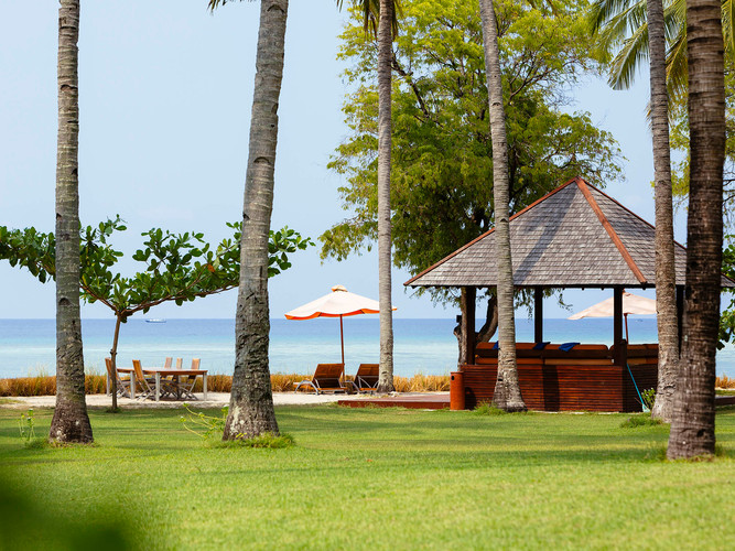 30. Anandita - Beach bale.jpg