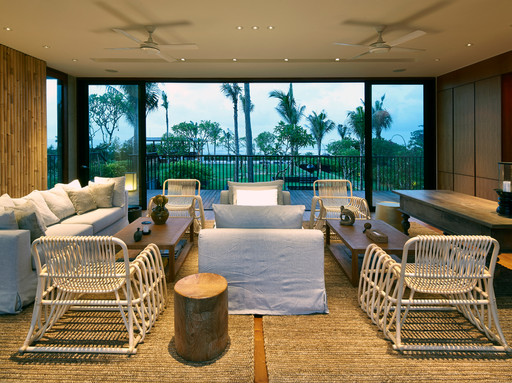 06-Arnalaya Beach House - Living room.jp