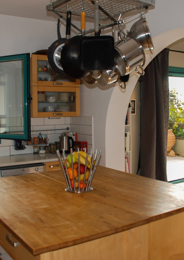 Bright Kitchen and Island unit