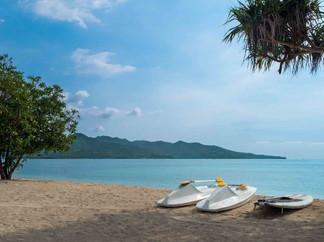 Sira Beach House - Tropical paradise.jpg