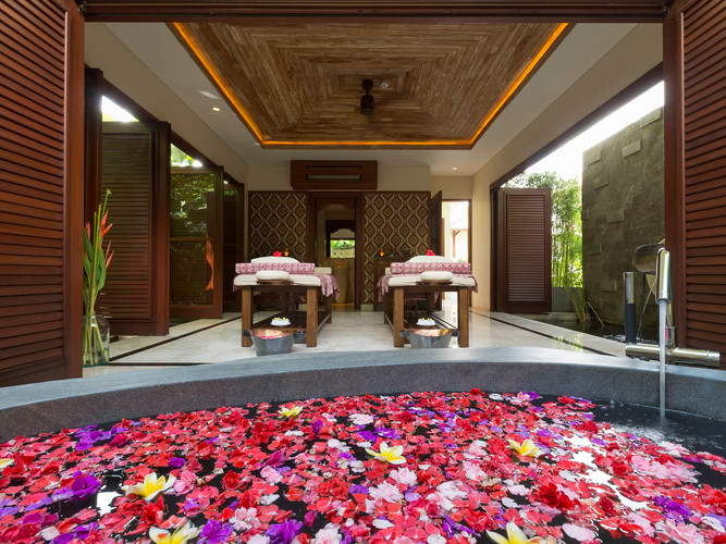 28-Kaba Kaba Estate - Spa room flower ba