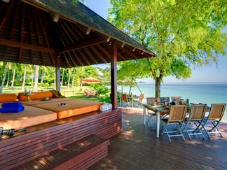 19. The Anandita - Beachfront bale and d
