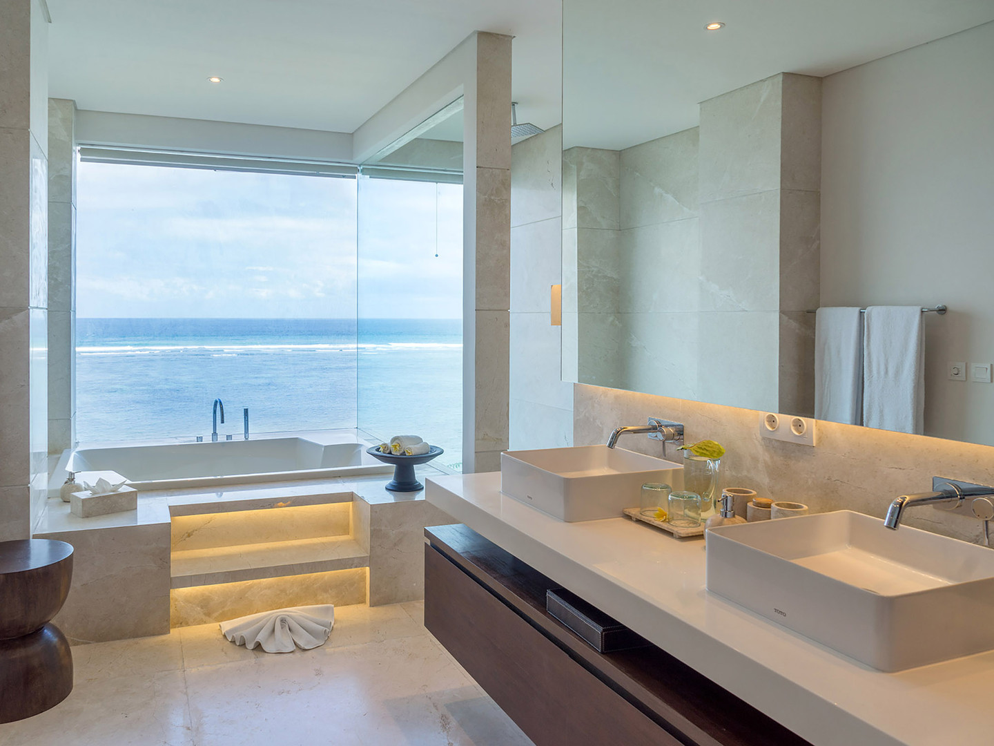 15. Grand Cliff Nusa Dua - Bathroom.jpg