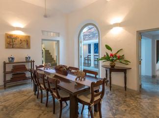 04-Pooja Kanda - Dining room with access