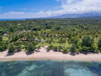 14. Sira Beach House - Beautiful setting