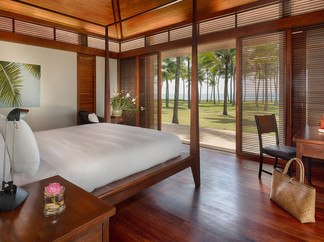 12. Villa Ananda - Luxurious bedroom.jpg