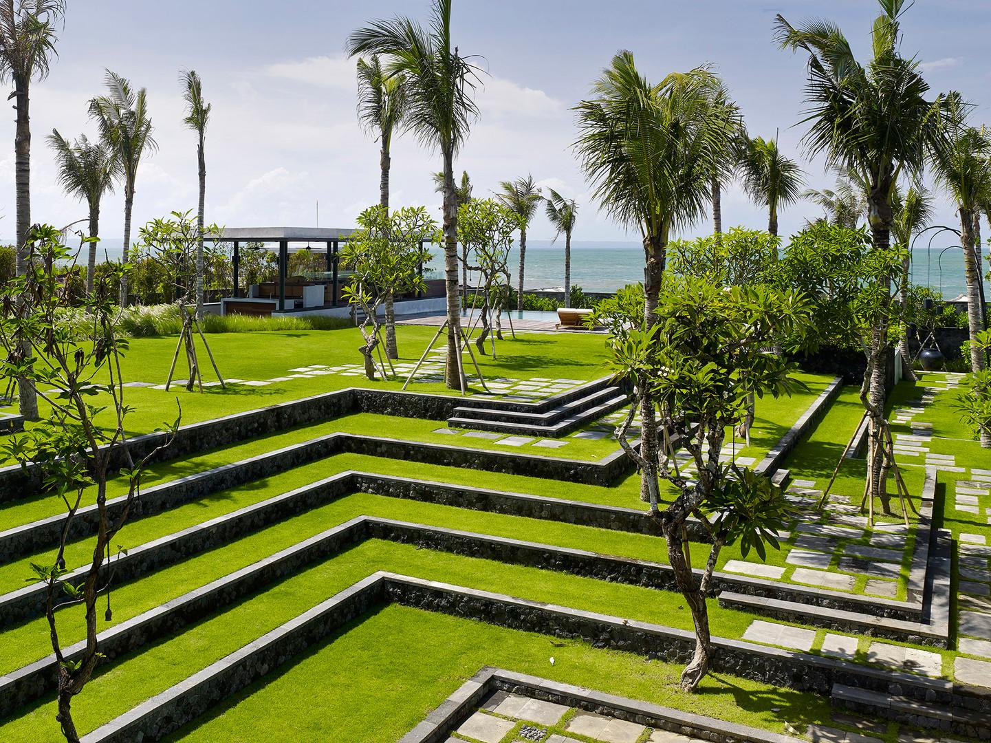 02-Arnalaya Beach House - Terraced garde