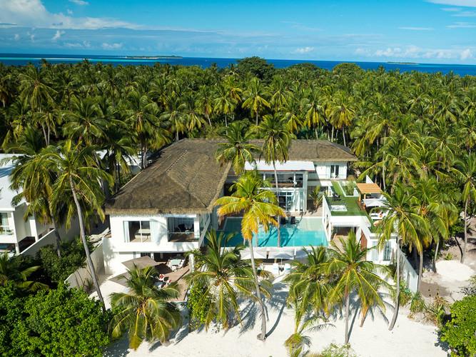 23-The Amilla Villa Estate - Tropical pa