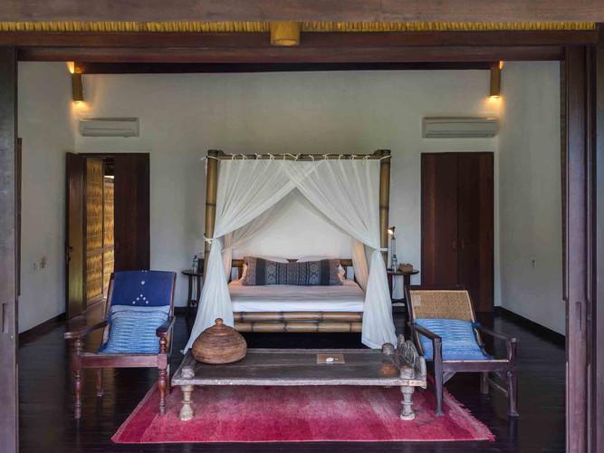 Sira Beach House - Master bedroom.jpg