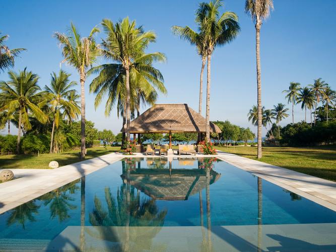 3. Villa Sepoi Sepoi - View of pool bale