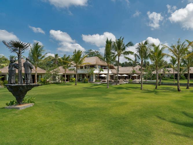 03-Kaba Kaba Estate - Villa and grounds.