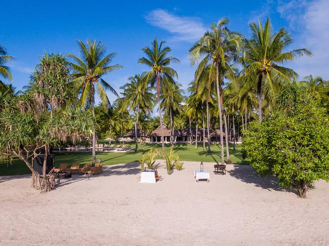 1. Sira Beach House - Truly tropical get