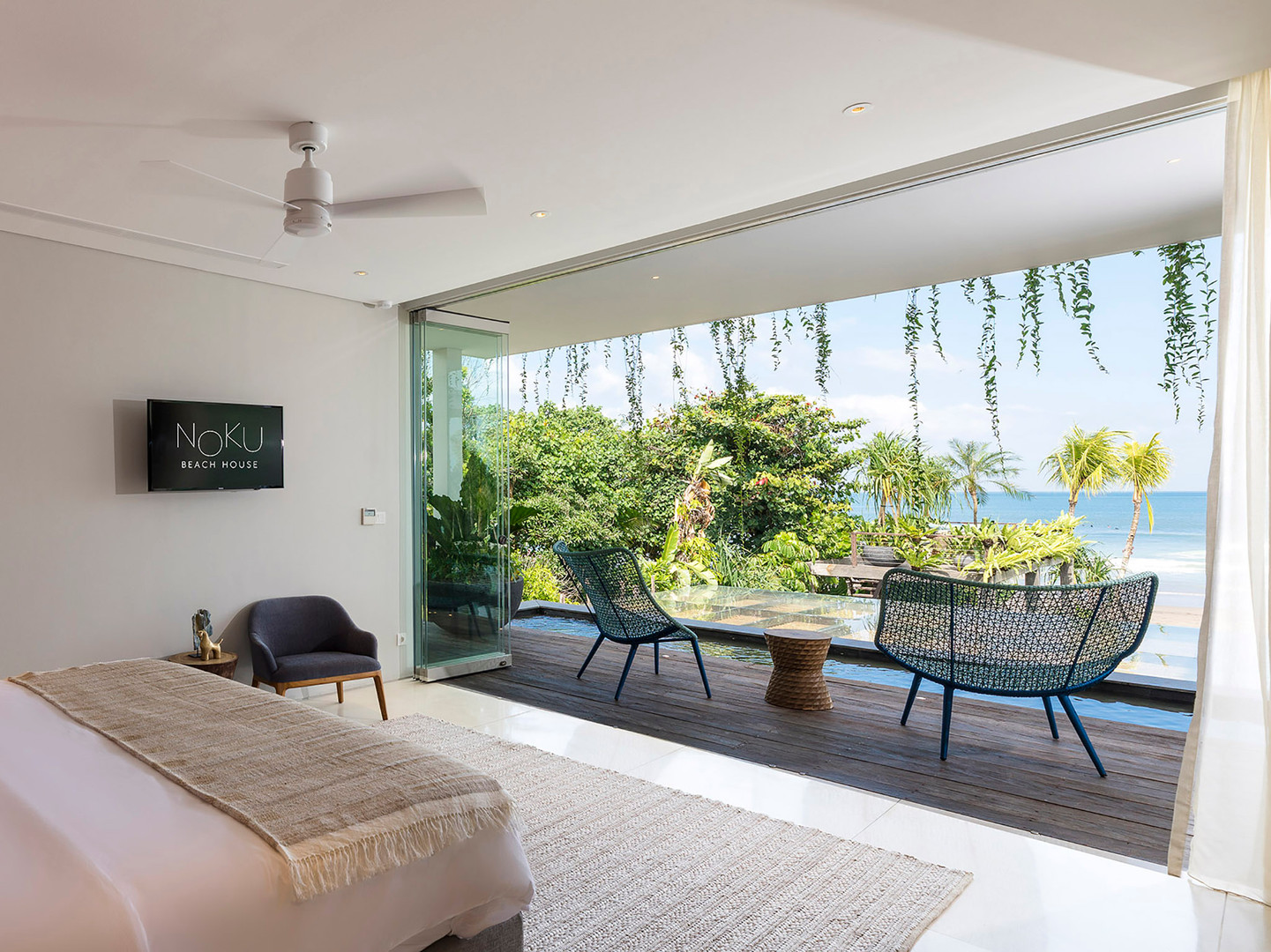 Noku Beach House - Marvelous view from b