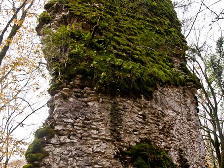 Индивидуальные авто-туры. Замок Уаз-Абаа. Пещера отшельника.
