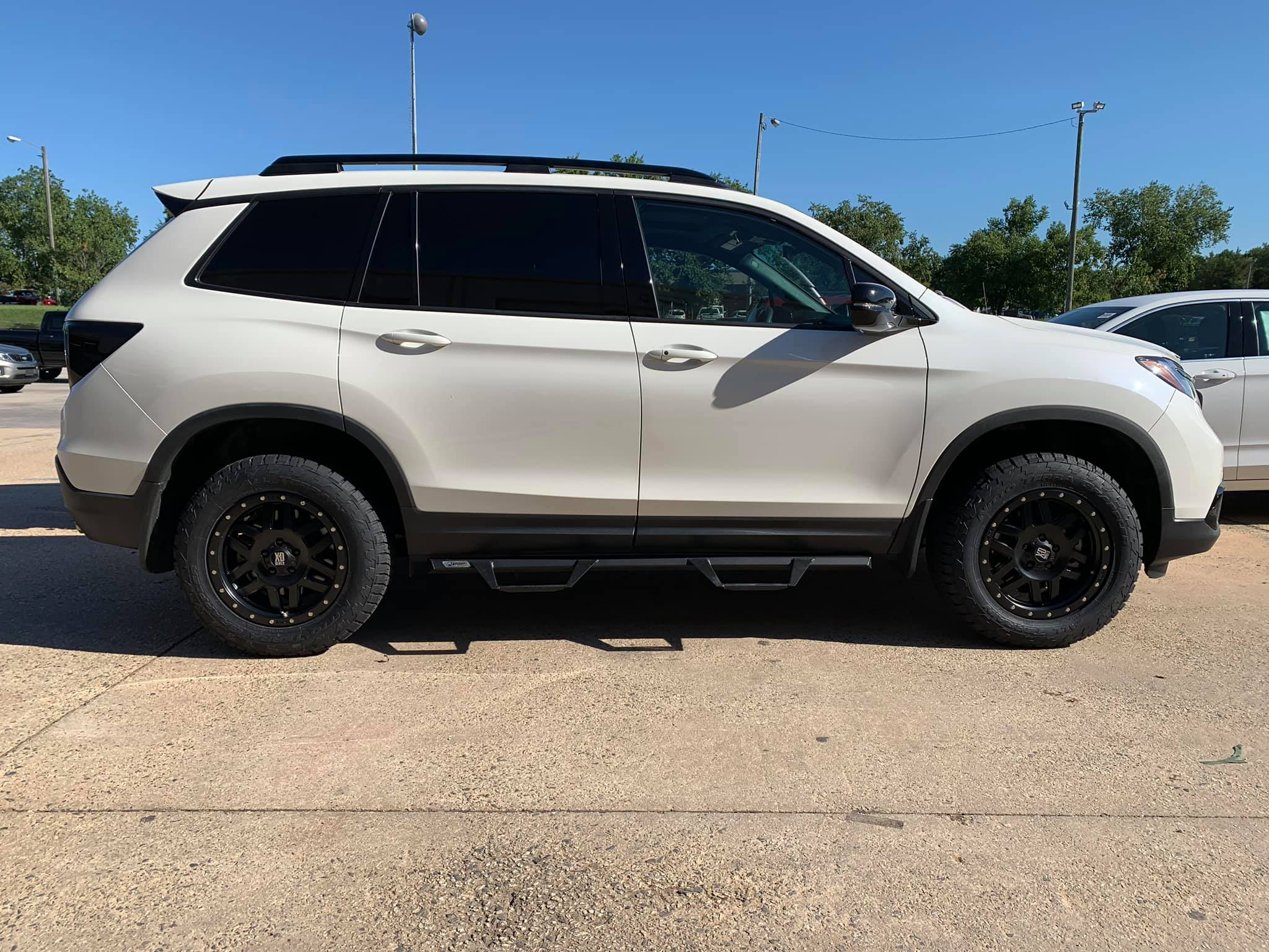 2017 Leveled Honda Pilot White