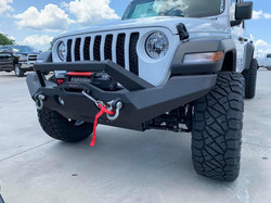 Lifted Jeep Gladiator with aftermark