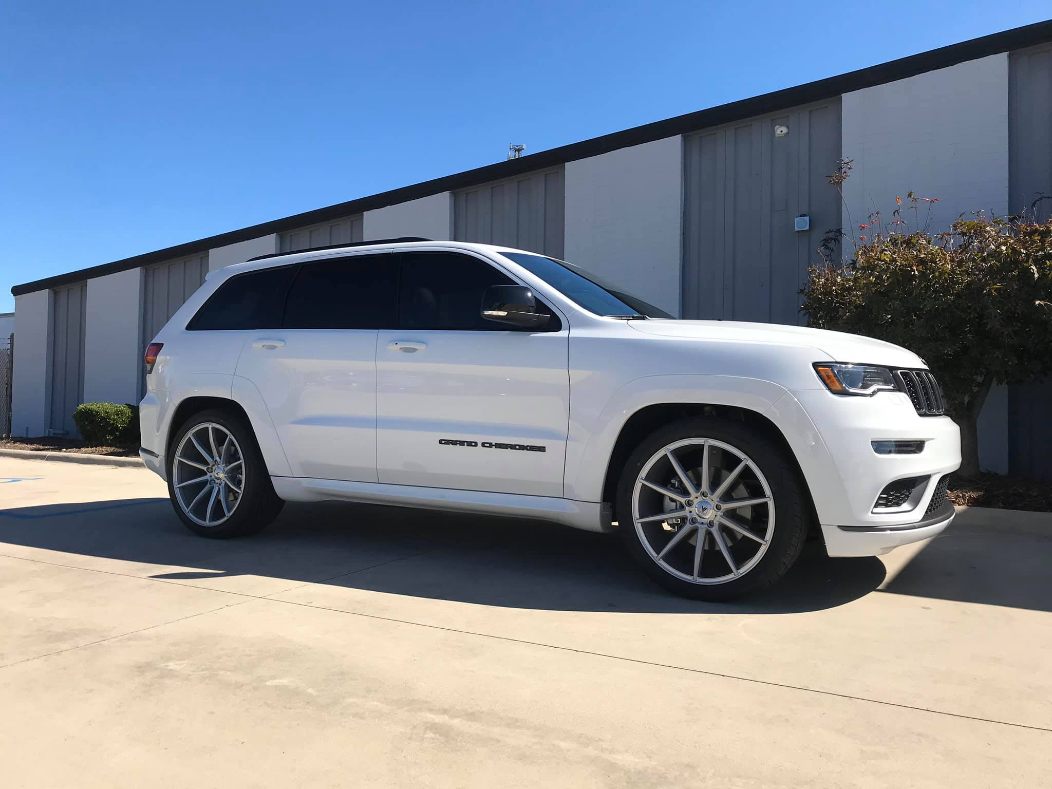 2019 Lowered Jeep Grand Cherokee