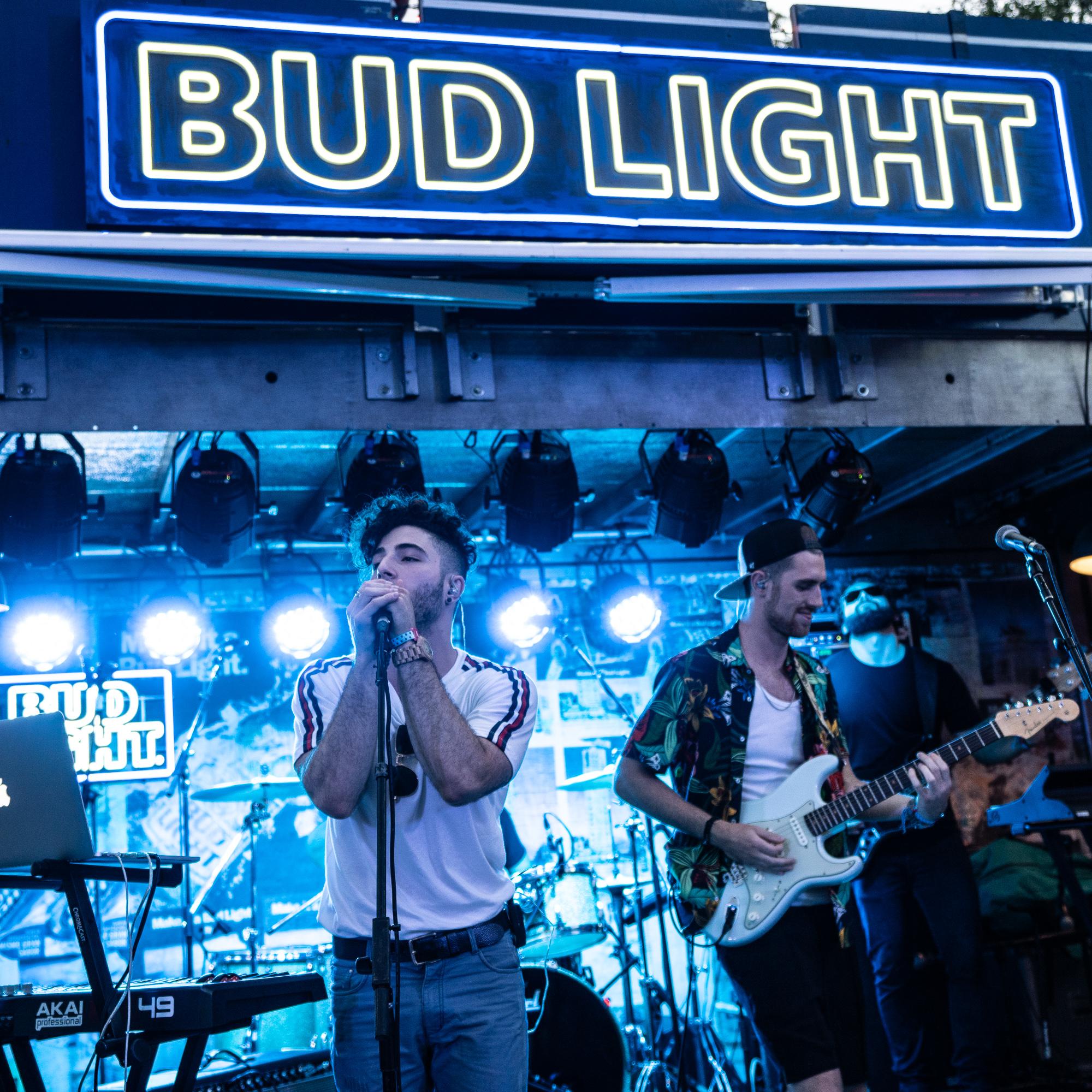Panorama / Bud Light
