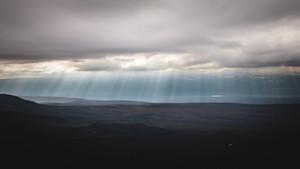 Sólstafir við austanverðan Eyjafjörð