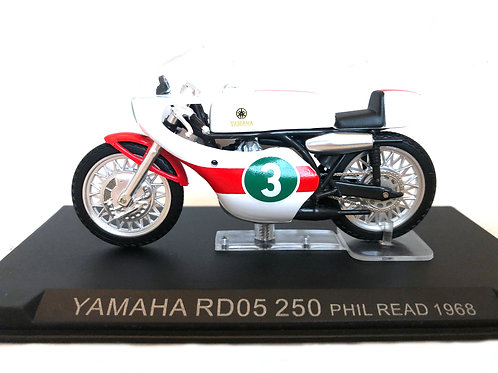 1:24 scale Altaya Yamaha RD05 250 cc GP Bike - Phil Read 1968 Replica Model
