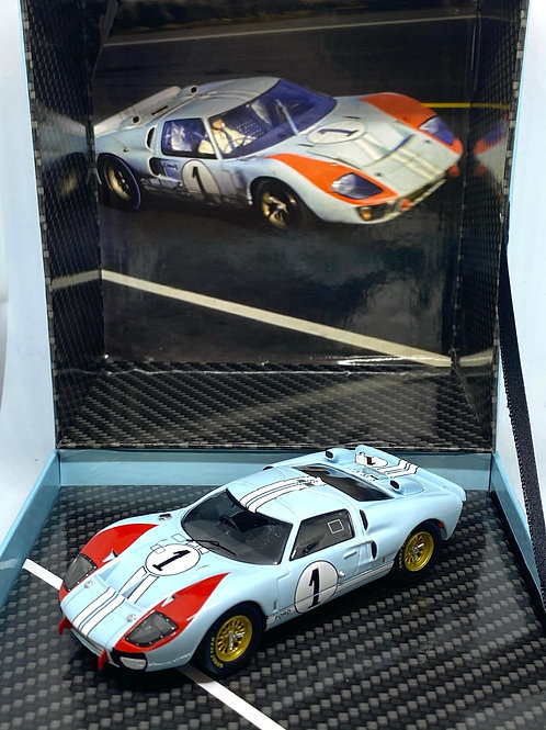 1:43 scale CMR Classic Model Replicars Ford GT40 Box Set Sports Car D Hulme 1966