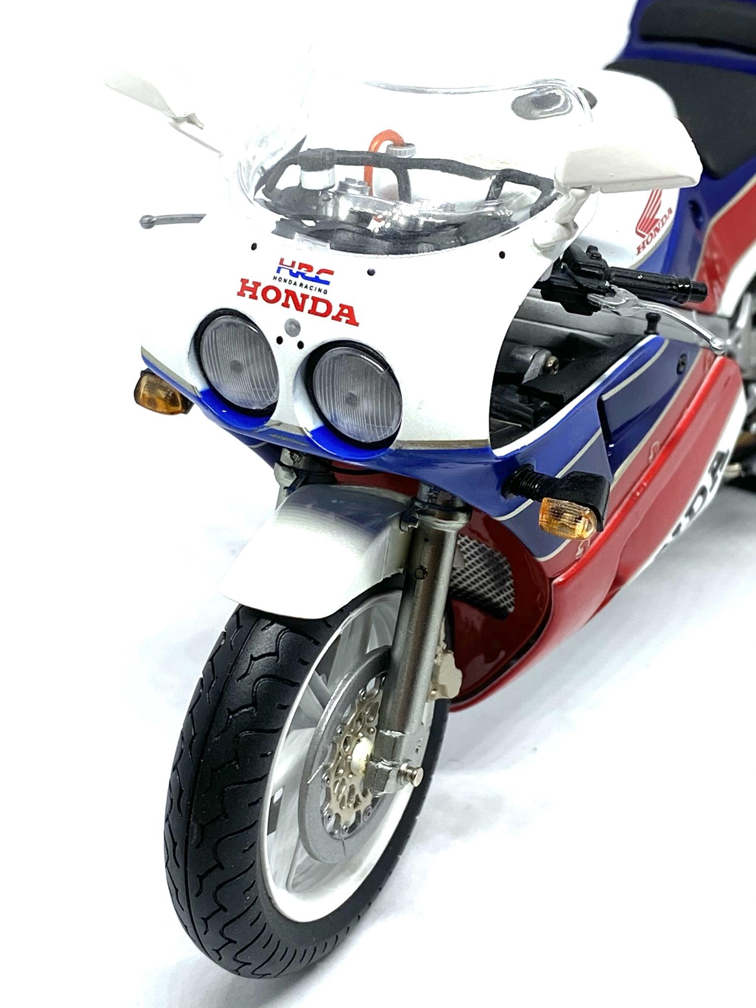 Honda RC 30 6