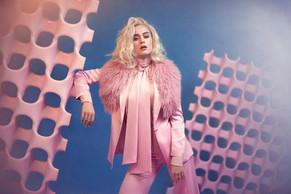 """Katy Perry estrena su nuevo vídeo """"Chained To The Rhythm"""""""