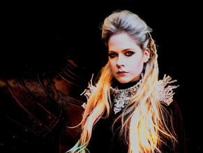 ¡Avril Lavigne está de regreso con 'We Are Warriors'!