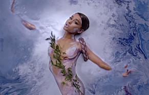 """Ariana Grande lanzó su cuarto álbum """"Sweetener"""""""
