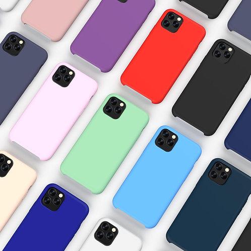 Силиконовый чехол на iPhone